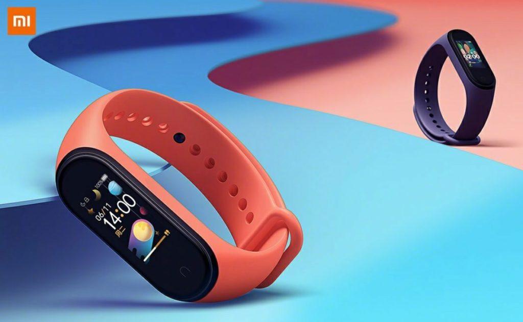 """Xiaomi MI Smart Band 4, Schermo 0.95"""" AMOLED, Touchscreen, con Monitoraggi e Funzioni Sport, Nero [Versione Italiana]"""